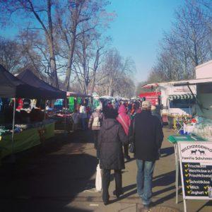 Dresden, Wochenmarkt, Lingnerallee